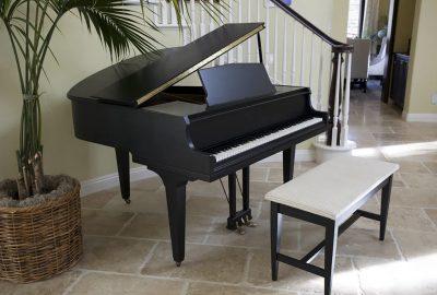 搬屋時 如何將鋼琴上移或下移樓梯